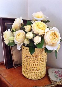 Butter yellow garden roses My Flower, Flowers, Garden Roses, Butter, Table Decorations, Yellow, Home Decor, Beautiful Bouquet Of Flowers, Decoration Home