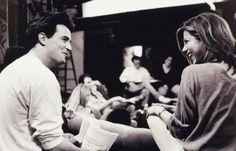 Matthew Perry (Chandler Bing) and Jennifer Aniston (Rachel Green) on the set of FRIENDS. Friends Tv Show, Tv: Friends, Serie Friends, Friends Moments, Friends Forever, Friends Scenes, Rachel Friends, Friends Characters Now, Friends Behind The Scenes