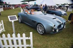 A Bristol Bullet and a Bristol 405 Drophead coupé on display at Salon Prive'. Classic Sports Cars, Classic Cars, Bristol Bullet, Bristol Cars, Grand Luxe, Fast Cars, Exotic Cars, Ford Mustang, Hot Wheels