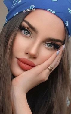 Most Beautiful Eyes, Stunning Eyes, Beautiful Girl Image, Beautiful Women, Blonde Beauty, Hair Beauty, Sweet Makeup, Hair Upstyles, Power Of Makeup