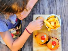 15 child-friendly restaurants in Durban and surrounds - Eat Out Billy The Goat, Pizza Station, Salmon Fishcakes, Piggly Wiggly, Beach Cafe, Kids Menu, Best Steak, School Treats