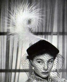 Cocktail hat, 1952