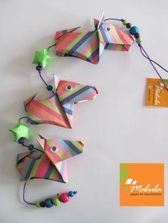 Línea de perros un producto de Malula, papel en movimiento