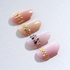 . たまにはカワイイのも…❁ . . #nails #naildesign #pink #beige