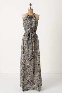 If I had $478 just lounging around, I would totally get this dress. SO pretty!