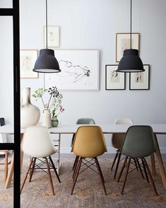 The Eames chair - Makeover.nl - The Eames chair: a classic that is timeless! A chair that fits into any interior and style. Dining Room Lighting, Home Interior Design, Modern Dining Room, Dining Room Decor, Room Inspiration, Decor, House Interior, Scandinavian Dining Room, Dining Room Inspiration