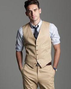 Магазин мужских костюмов с жилетками
