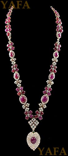 DAVID WEBB Cabochon Ruby,Emerald and Diamond Necklace - Yafa Jewelry