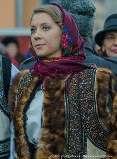 Romanian people National folk clothing (part Romanian People, Romanian Girls, Romanian Flag, Ukraine, History Of Romania, Folk Costume, Costumes, Folk Clothing, Eastern Europe
