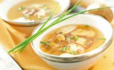 SIDE: Healthier You Hot and Sour Soup 120 cals/serving. have started making soups to have before our meal helps with the diet Thai Hot And Sour Soup, Clean Recipes, Healthy Recipes, Epicure Recipes, Lean Meals, Soup Kitchen, Food Dye, Eat Smarter, Soups And Stews