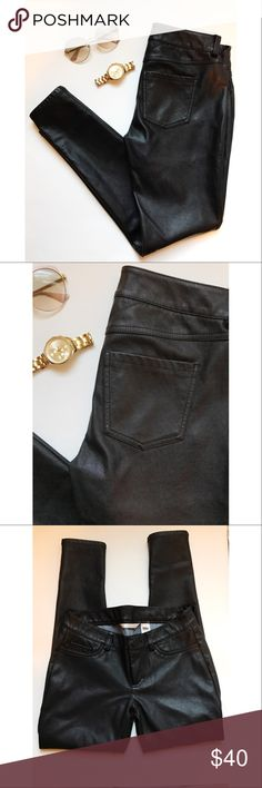 Black Faux Leather Pants🎀 Fleece like interior makes them super comfy!! Best leather pants for look& feel. LC Lauren Conrad Pants Skinny
