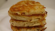 This is a simple and easy way of your own hash browns with less oil at home. Hash Browns, Finger Foods, Corner, Homemade, Make It Yourself, Baking, Breakfast, How To Make, Bread Making