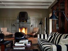 Ilse Crawford: The Designer Of The Year At Maison et Objet Paris | Interior Design Inspiration. Living Room Set. #interiordesign #maisonetobjet #livingroom Find more at: https://www.brabbu.com/en/inspiration-and-ideas/interior-design/ilse-crawford-designer-year-maison-objet-paris