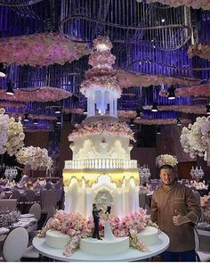 Gorgeous wedding cake with columns, backlights, flowers - renat_agzamov Huge Wedding Cakes, Castle Wedding Cake, Extravagant Wedding Cakes, Wedding Cake Fresh Flowers, Luxury Wedding Cake, Diy Wedding Cake, Elegant Wedding Cakes, Elegant Cakes, Beautiful Wedding Cakes