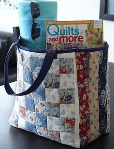 29 Ideas for patchwork quilting bags sewing projectsThis Patchwork Tote is a Workhorse in Disguise - Quilting DigestLarge Patchwork Tote Clermont Farms Quilted Tote Bag by Glenn Dragone.This Americana themed, multipurpose tote is suitable for the poo Bag Pattern Free, Bag Patterns To Sew, Tote Pattern, Sewing Patterns Free, Free Sewing, Quilted Bags Patterns, Wallet Pattern, Quilt Pattern, Handbag Patterns