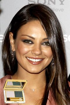 Mila Kunis Does A Sultry Smoky Eye — Check Out The Gray Eye Shadow That Will Get YOU This Look! - Hollywood Life