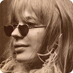 Marianne Faithfull in heart shaped sunnies! Marianne Faithfull, Austin Powers, Hippie Man, Miss Moss, Heart Shaped Sunglasses, Age Of Aquarius, Ray Ban Sunglasses Outlet, Monochrom, Rolling Stones
