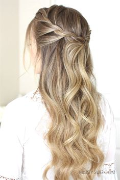40 Trendy Braided Hairstyles For Long Hair To Look Amazingly Awesome;Beautiful prom hairstyles long hairstyles for teens. wedding hairstyles 40 Trendy Braided Hairstyles For Long Hair To Look Amazingly Awesome Teen Hairstyles, Wedding Hairstyles For Long Hair, Braids For Long Hair, Wedding Hair And Makeup, Hairstyles 2018, Simple Homecoming Hairstyles, Hair Down Braid, Easy Formal Hairstyles, Braid And Curls Hairstyles