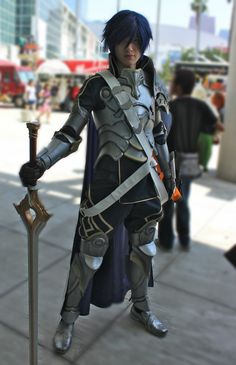 Chrom from Fire Emblem cosplay from Anime Expo 2015