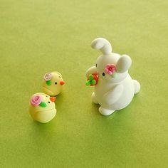 Ok, I know it's not Easter but I just love these polymerclay bunnies and chicks
