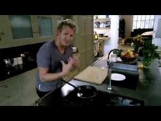 ▶ Gordon Ramsay - How to make caramel - YouTube