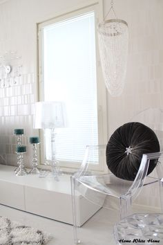 Kartell Bourgie & Louis Ghost - HomeWhiteHome
