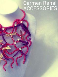 Collar de Carmen Ramil con libélulas
