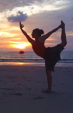 Natarajasana - How to do and its Benefits | Hugestyles