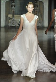 silk white wedding dress #johanna #johnson http://trendybride.net/johanna-johnson-designer-spring-2014-wedding-dresses/