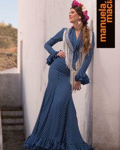 Colección de trajes de flamenca, vestidos de gitana, Moda flamenca, diseñadora Manuela Macías Flamenco costume design San Bartolomé de la Torre Huelva Pretty Dresses, Beautiful Dresses, Flamenco Costume, Fashion 2018, Womens Fashion, Costumes Around The World, African Wear, Dance Wear, Ruffles