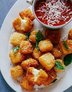 Halloumi Nuggets with Marinara Dipping Sauce (spoon fork bacon) Veggie Recipes, Appetizer Recipes, Vegetarian Recipes, Cooking Recipes, Vegetarian Tapas, Meat Appetizers, Cooking Ingredients, Cooking Food, Easy Cooking