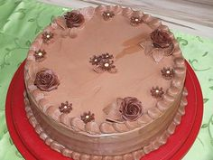 Nougat chocolate butter cream, a delicious recipe with a picture from the cake category. Chocolate Buttercream, Chocolate Cream, Melting Chocolate, Delicious Cake Recipes, Yummy Cakes, Yummy Food, Nougat Torte, Keto Muffin Recipe, Fondant Icing