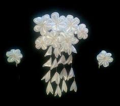 White wedding headpiece kanzashi Bridal haircomb by Ozmonda Fascinator, Headpiece, Wedding Hats, Hair Comb, Brooch, Bridal, Floral, Flowers, Jewelry
