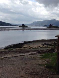 Fondo de la ría de Vigo con las islas Alvedosas al fondo.