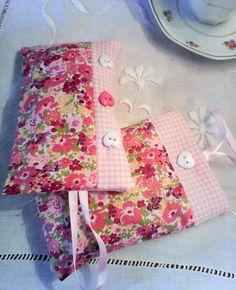 sachets de lavande par deux,duo de sachets de lavande,tissu fleuri rose : Accessoires de maison par kate27