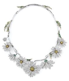 Elizabeth Taylor's daisy necklace - my grandmother should have had this one!