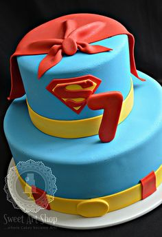 Super cute cake by Sweet Art Shop {Gaby}, I would do batman though! Bolo Super Man, Superman Cakes, Dessert Original, Superhero Cake, Character Cakes, Just Cakes, Cakes For Boys, Fancy Cakes, Love Cake