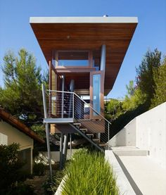 Los Angeles Modern Tree House Inspiration - Stairs