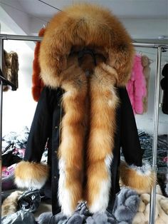 Fur Collar Coat, Fox Fur Coat, Collar And Cuff, Fur Collars, Winter Parka, Winter Jackets, Furano, Coats For Women, Winter Coats