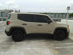 Jeep Renegade in Mojave Sand