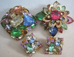 2 BIG Vtg JULIANA COLORFUL PASTEL Rhinestone BROOCH 1 Demi Set w Clip Earrings