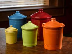Fiesta® storage canisters are made from lead-free china with a deep colored glaze. The Fiesta® Canister in Scarlet Red (Model is safe for temperatures up to in the oven or microwave, and is safe for cleaning in the dishwasher. Old Kitchen, Green Kitchen, Kitchen Colors, Country Kitchen, Vintage Kitchen, Kitchen Small, Kitchen Ideas, Medium Kitchen, Kitchen Stuff