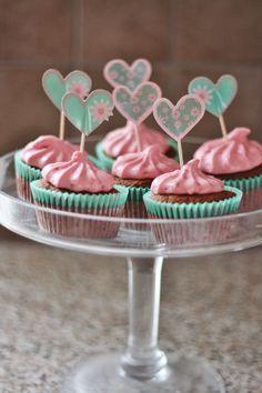 Valentines cupcake Cupcake, Valentines, Baking, Desserts, Food, Valentine's Day Diy, Tailgate Desserts, Deserts, Cupcakes