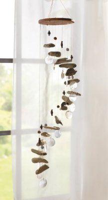 Mobile en bois flotté et nacre avec perles et cailloux