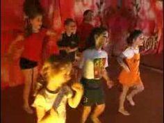 Tre Passi Avanti - Baby Dance Di Gruppo - Bimbo Hit Tv - YouTube Baby Dance Songs, Dancing Baby, Canti, Blues Music, Youtube, Education, Children, Tv, Fictional Characters