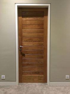 Interior Wood Doors – What You Must Look for While Buying Interior Wood Doors Solid Oak Doors, Wooden Front Doors, Bedroom Door Design, Door Design Interior, Wooden Interior Doors, Flush Door Design, White Panel Doors, Porte Design, Wooden Main Door Design