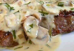 Dragon's Kitchen: Grilled Steak with Mushroom Tarragon Cream Sauce. Grilled steak with a Mushroom Tarragon Cream sauce served with my herb-roasted potatoes and a fresh cucumber and tomato salad. It was a wonderful treat. Pork Rib Recipes, Grilled Steak Recipes, Grilled Meat, Meat Recipes, Cooking Recipes, Cooking Ham, Cooking Rice, Venison Steak, Flank Steak