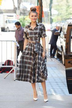 zendaya coleman looks estilo moda celebridades Zendaya Coleman, Zendaya Street Style, Girl Fashion, Fashion Outfits, Fashion Tips, Plaid Fashion, Estilo Fashion, White Heels, Looks Style