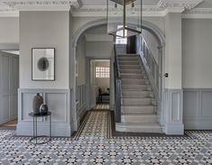 Victorian Terrace Interior, Victorian House Interiors, Edwardian House, Victorian Homes, Hall Tiles, Tiled Hallway, Hallway Flooring, Modern Hallway, Victorian Hallway Tiles