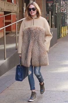 3/27 #オリビア・パレルモ #ノーカラーコート #タートルネックニット #クロップドジーンズ |海外セレブ最新画像・私服ファッション・着用ブランドまとめてチェック DailyCelebrityDiary*